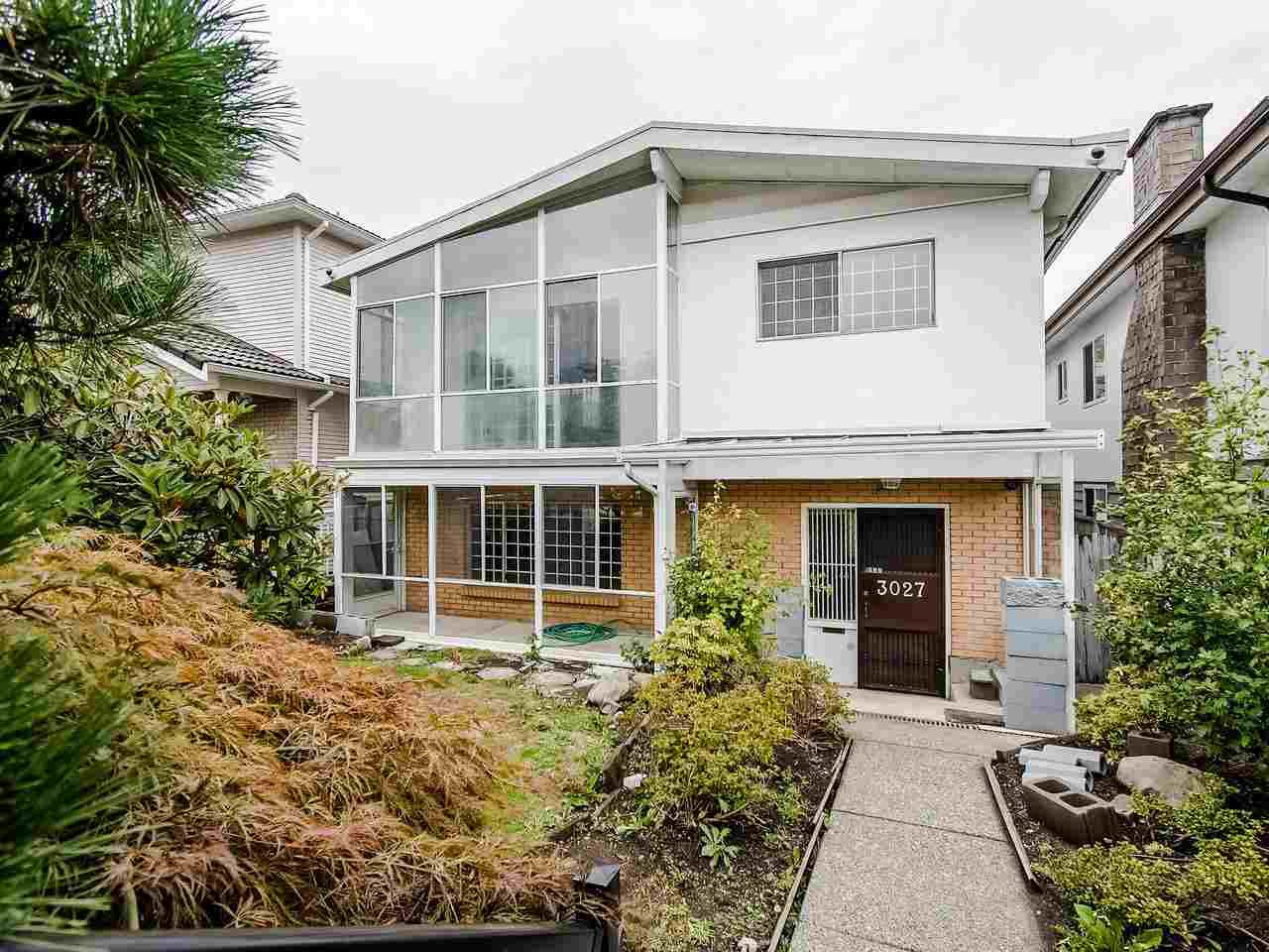 "Main Photo: 3027 E 20TH Avenue in Vancouver: Renfrew Heights House for sale in ""RENFREW HEIGHTS"" (Vancouver East)  : MLS®# R2405968"