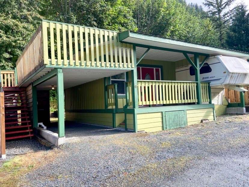 """Main Photo: 45 1650 COLUMBIA VALLEY Road: Columbia Valley Land for sale in """"LEISURE VALLEY"""" (Cultus Lake)  : MLS®# R2472797"""