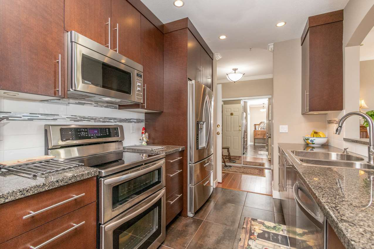 """Photo 4: Photos: 505 3608 DEERCREST Drive in North Vancouver: Roche Point Condo for sale in """"DEERFIELD AT RAVENWOODS"""" : MLS®# R2488419"""