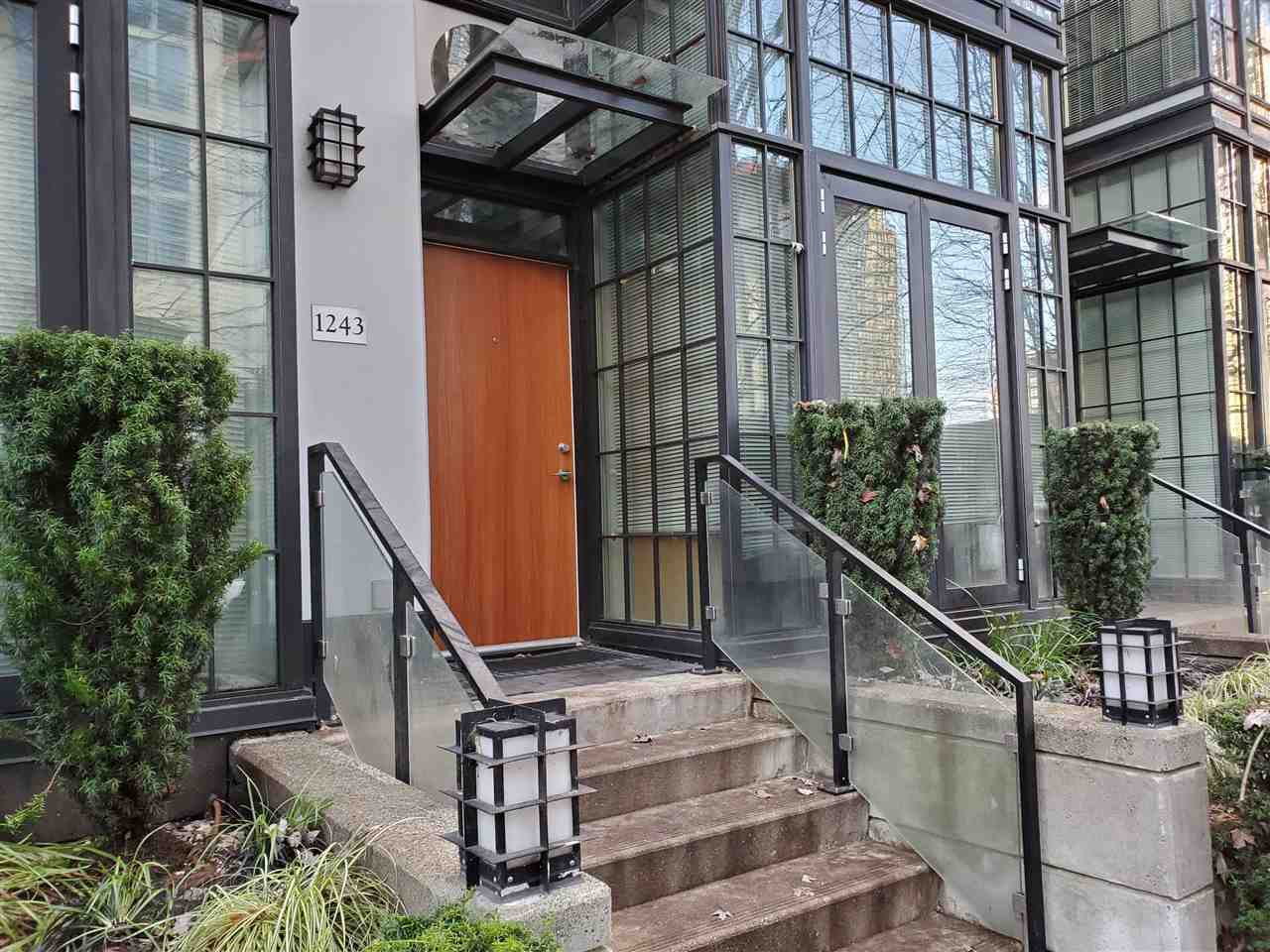 """Photo 33: Photos: 1243 SEYMOUR Street in Vancouver: Downtown VW Townhouse for sale in """"elan"""" (Vancouver West)  : MLS®# R2519042"""