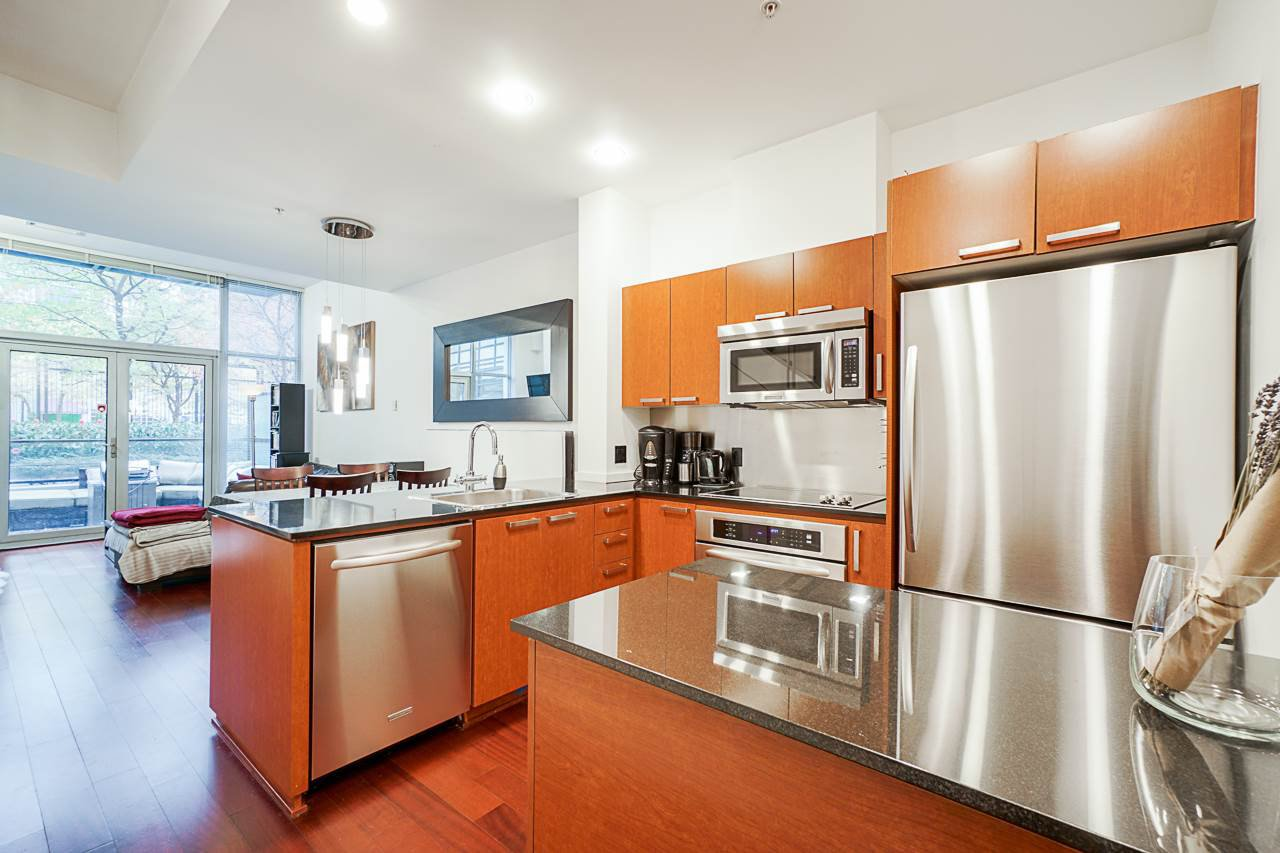 """Photo 4: Photos: 1243 SEYMOUR Street in Vancouver: Downtown VW Townhouse for sale in """"elan"""" (Vancouver West)  : MLS®# R2519042"""