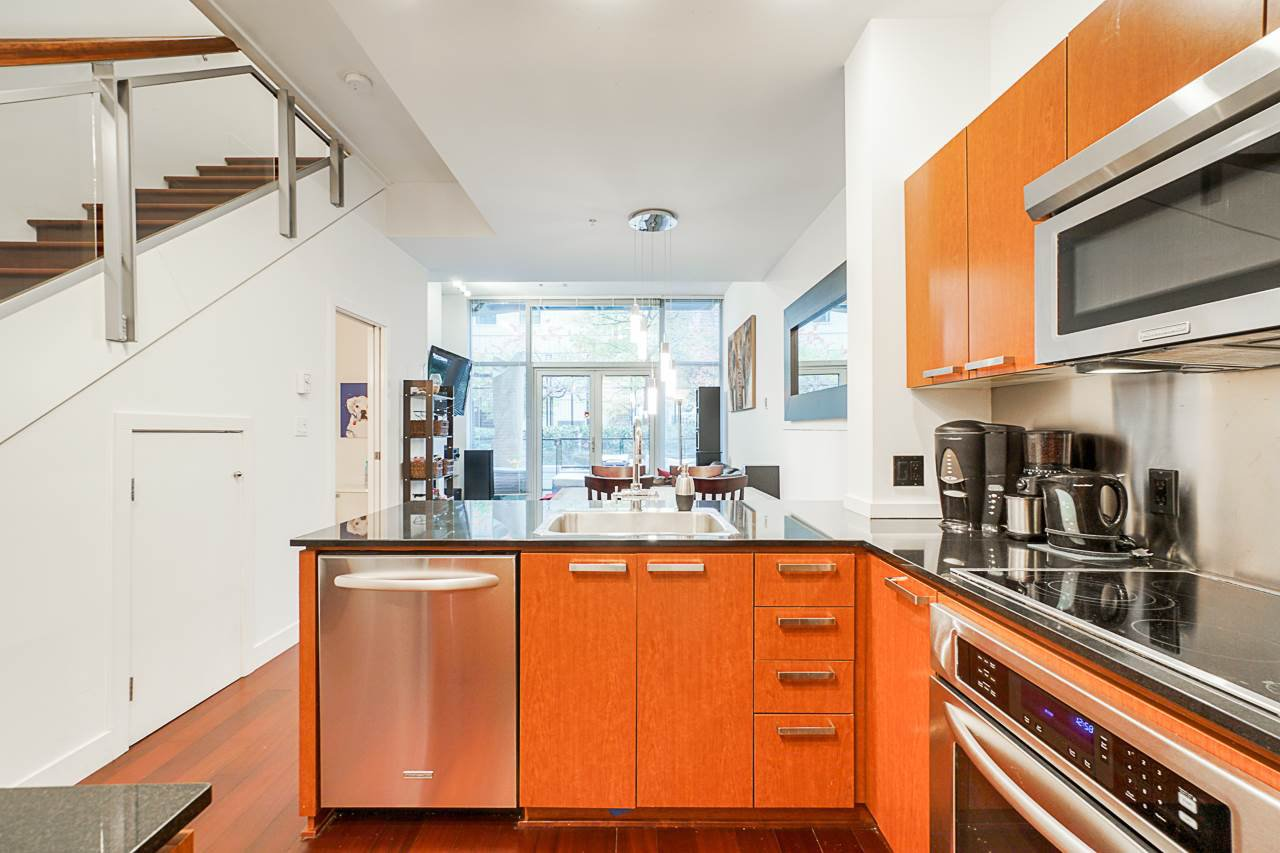 """Photo 6: Photos: 1243 SEYMOUR Street in Vancouver: Downtown VW Townhouse for sale in """"elan"""" (Vancouver West)  : MLS®# R2519042"""