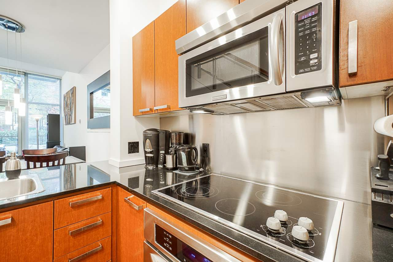 """Photo 7: Photos: 1243 SEYMOUR Street in Vancouver: Downtown VW Townhouse for sale in """"elan"""" (Vancouver West)  : MLS®# R2519042"""