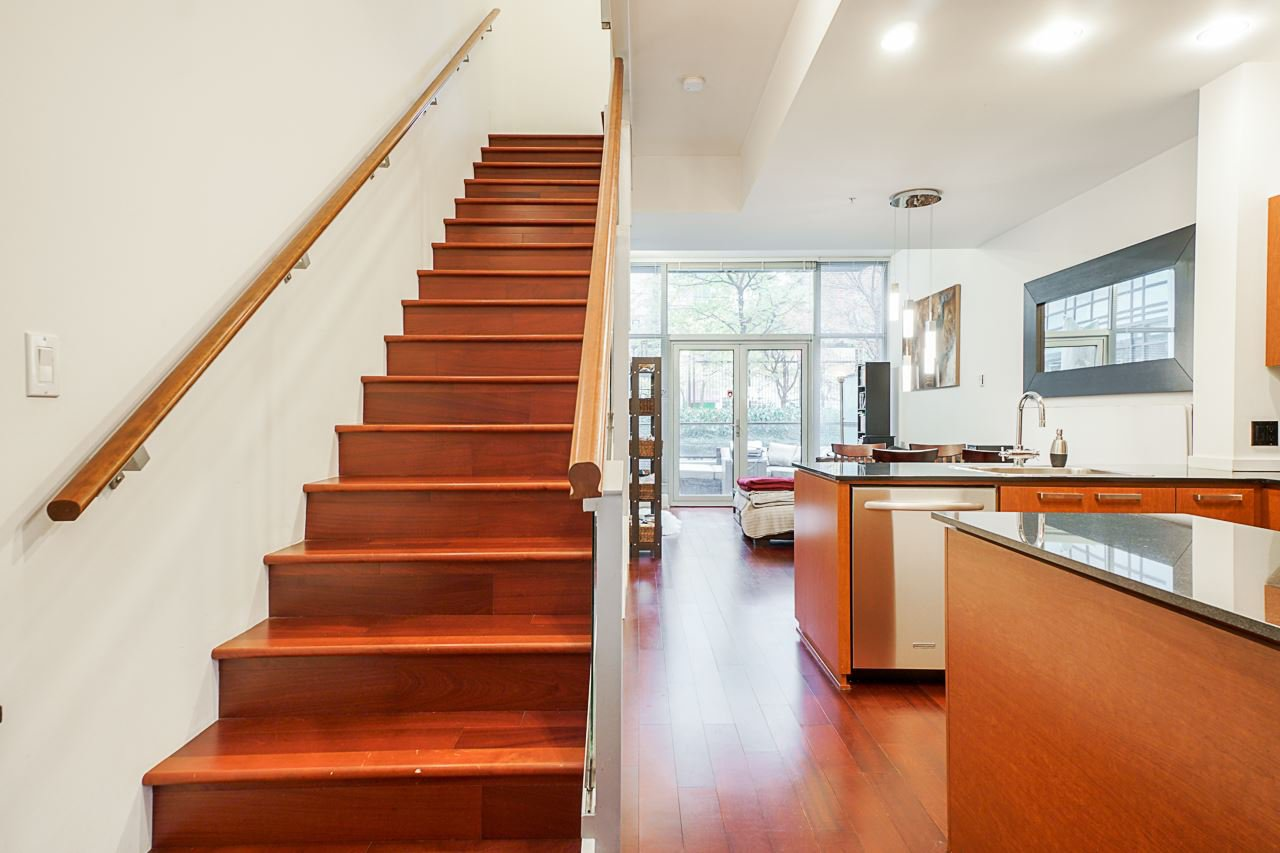 """Photo 20: Photos: 1243 SEYMOUR Street in Vancouver: Downtown VW Townhouse for sale in """"elan"""" (Vancouver West)  : MLS®# R2519042"""