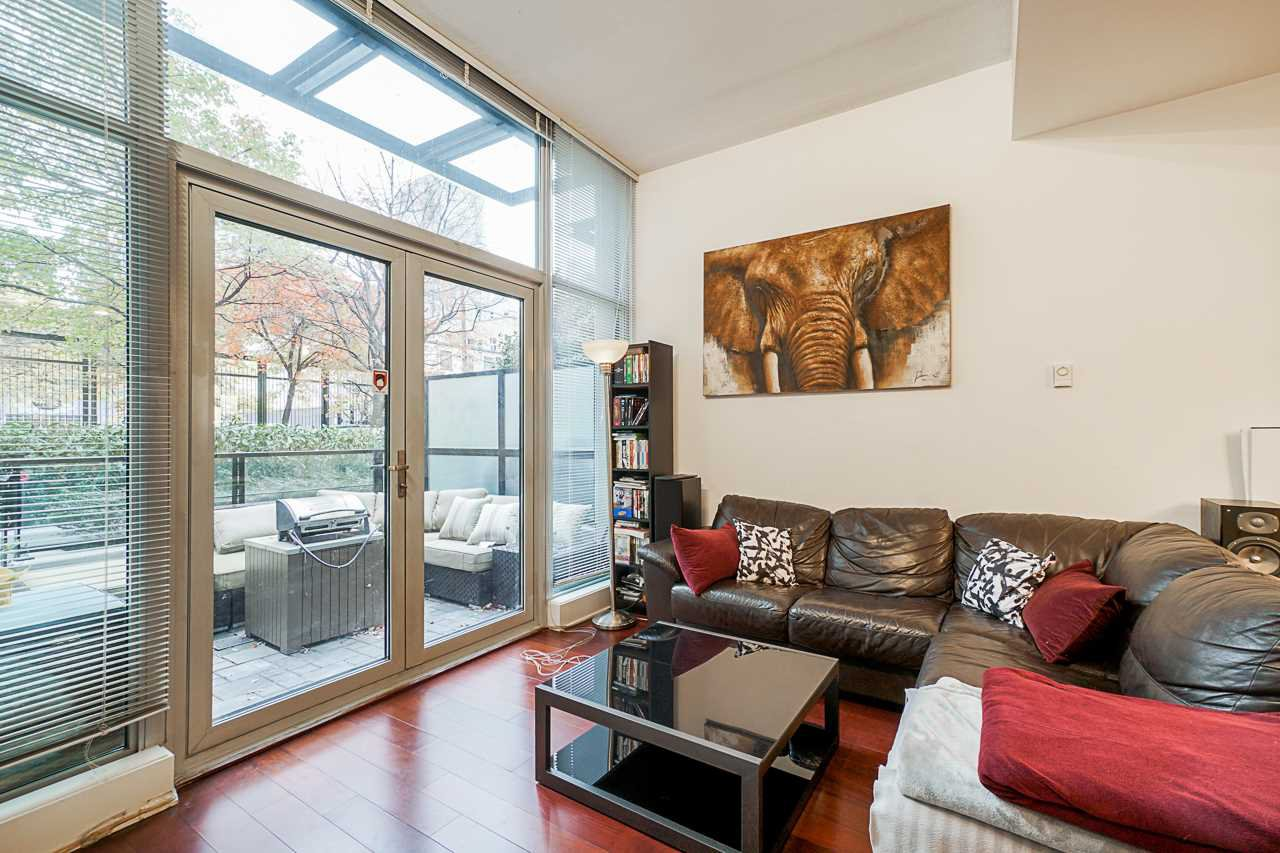"""Photo 13: Photos: 1243 SEYMOUR Street in Vancouver: Downtown VW Townhouse for sale in """"elan"""" (Vancouver West)  : MLS®# R2519042"""
