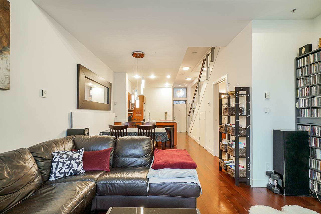 """Photo 15: Photos: 1243 SEYMOUR Street in Vancouver: Downtown VW Townhouse for sale in """"elan"""" (Vancouver West)  : MLS®# R2519042"""