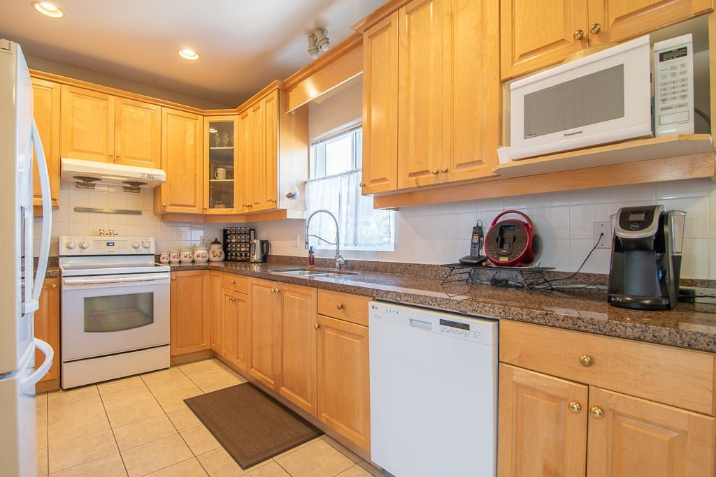 Photo 8: Photos: 4799 GOTHARD Street in Vancouver: Collingwood VE House for sale (Vancouver East)  : MLS®# R2391518