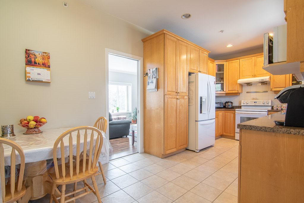 Photo 11: Photos: 4799 GOTHARD Street in Vancouver: Collingwood VE House for sale (Vancouver East)  : MLS®# R2391518