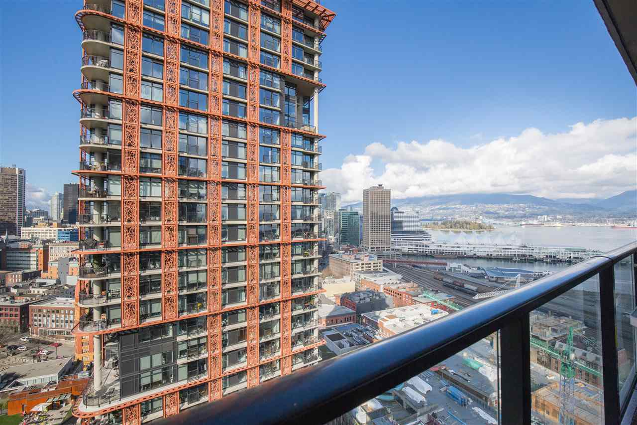 """Main Photo: 2707 108 W CORDOVA Street in Vancouver: Downtown VW Condo for sale in """"WOODWARDS W32"""" (Vancouver West)  : MLS®# R2457769"""