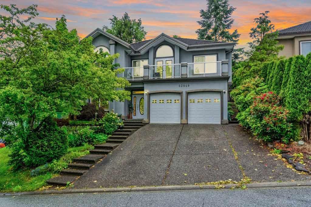 Main Photo: 23849 ZERON Avenue in Maple Ridge: Albion House for sale : MLS®# R2463763