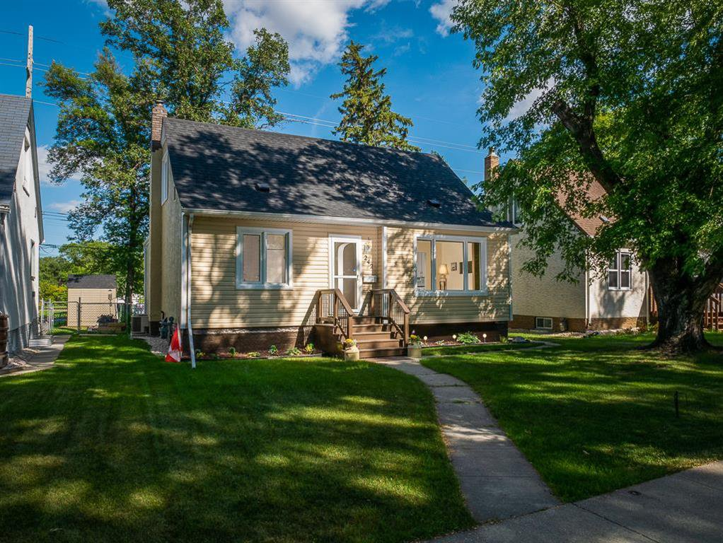 Main Photo: 242 Renfrew Street in Winnipeg: River Heights North Residential for sale (1C)  : MLS®# 202018278