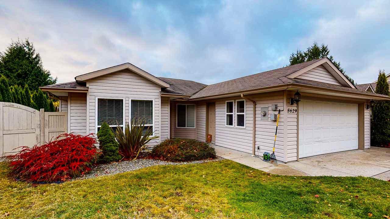 Main Photo: 5629 NICKERSON Road in Sechelt: Sechelt District House for sale (Sunshine Coast)  : MLS®# R2517435