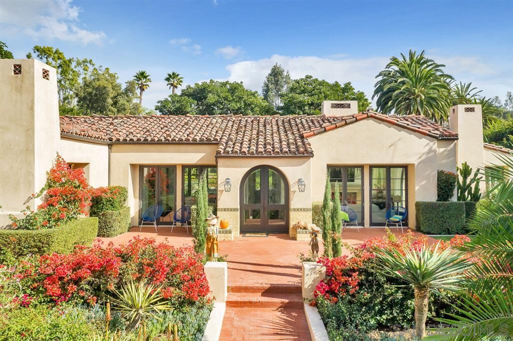 Main Photo: RANCHO SANTA FE House for sale : 5 bedrooms : 6269 San Elijo Ave