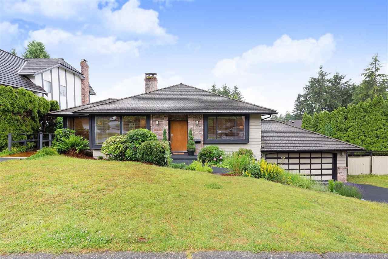 Main Photo: 2550 PEREGRINE Place in Coquitlam: Upper Eagle Ridge House for sale : MLS®# R2465357