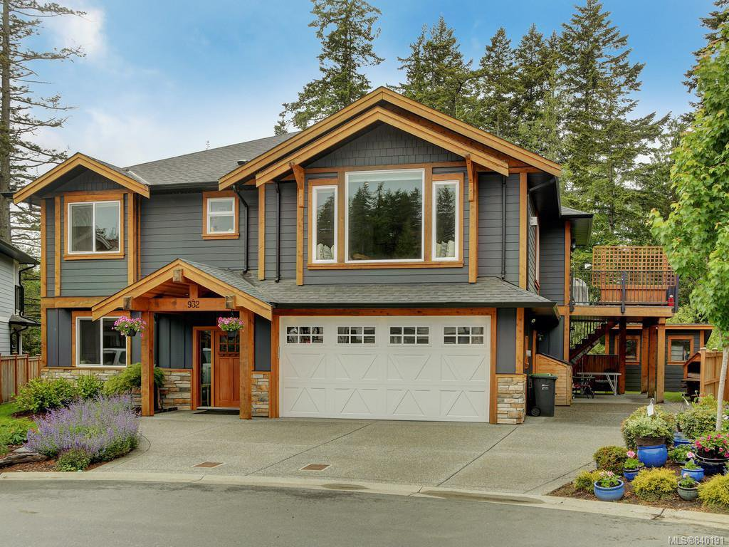 Main Photo: 932 Pritchard Creek Pl in Langford: La Olympic View House for sale : MLS®# 840191