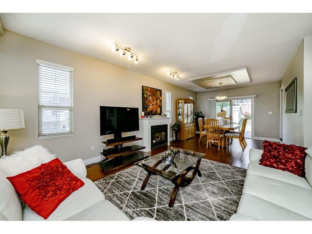 Photo 5: Photos: 831 QUADLING Avenue in Coquitlam: Coquitlam West House 1/2 Duplex for sale : MLS®# R2412905