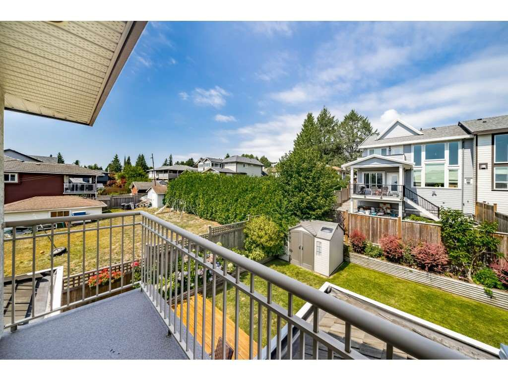 Photo 17: Photos: 831 QUADLING Avenue in Coquitlam: Coquitlam West House 1/2 Duplex for sale : MLS®# R2412905