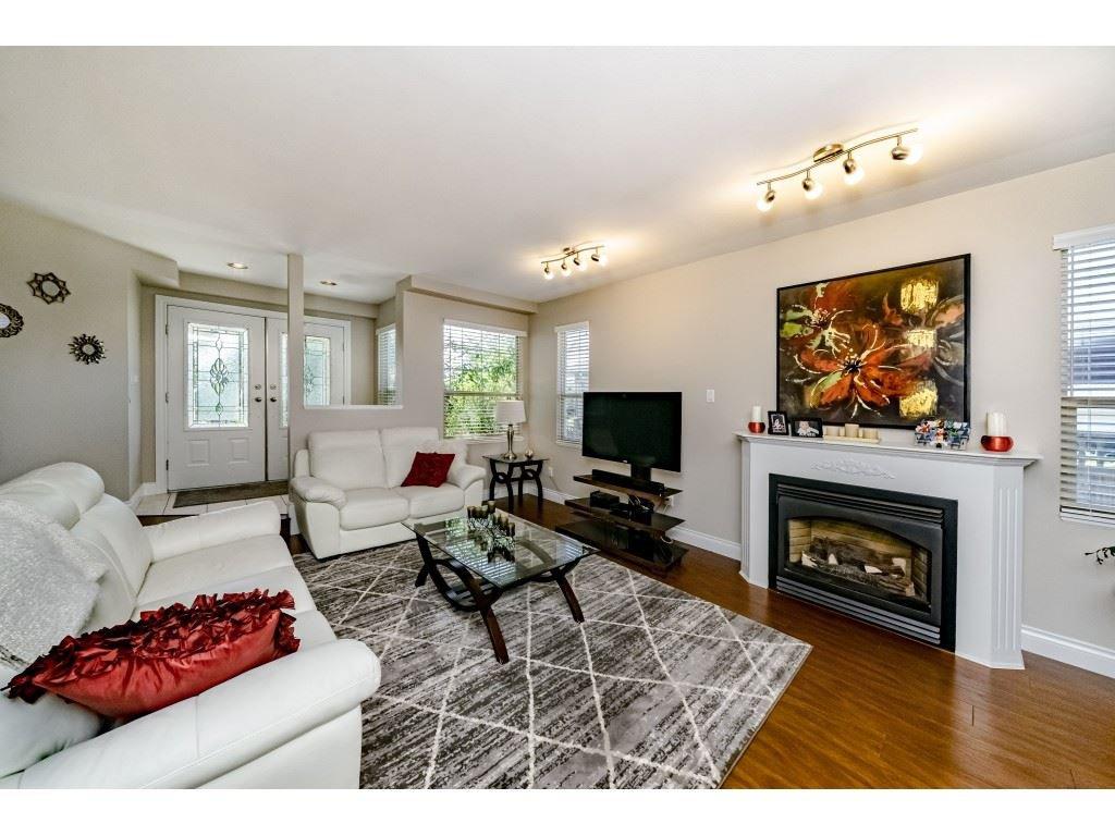 Photo 3: Photos: 831 QUADLING Avenue in Coquitlam: Coquitlam West House 1/2 Duplex for sale : MLS®# R2412905