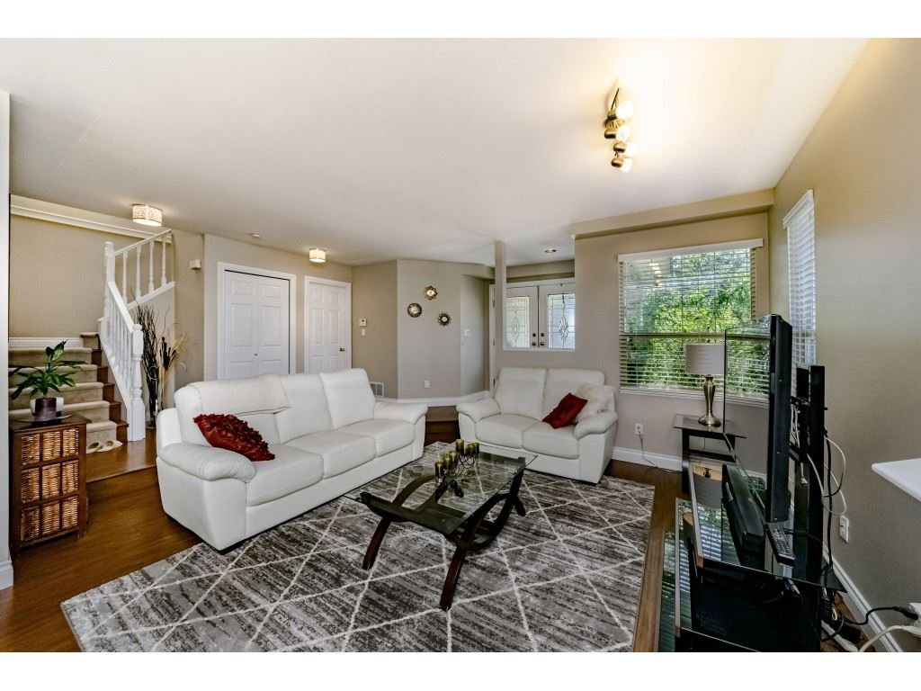 Photo 4: Photos: 831 QUADLING Avenue in Coquitlam: Coquitlam West House 1/2 Duplex for sale : MLS®# R2412905