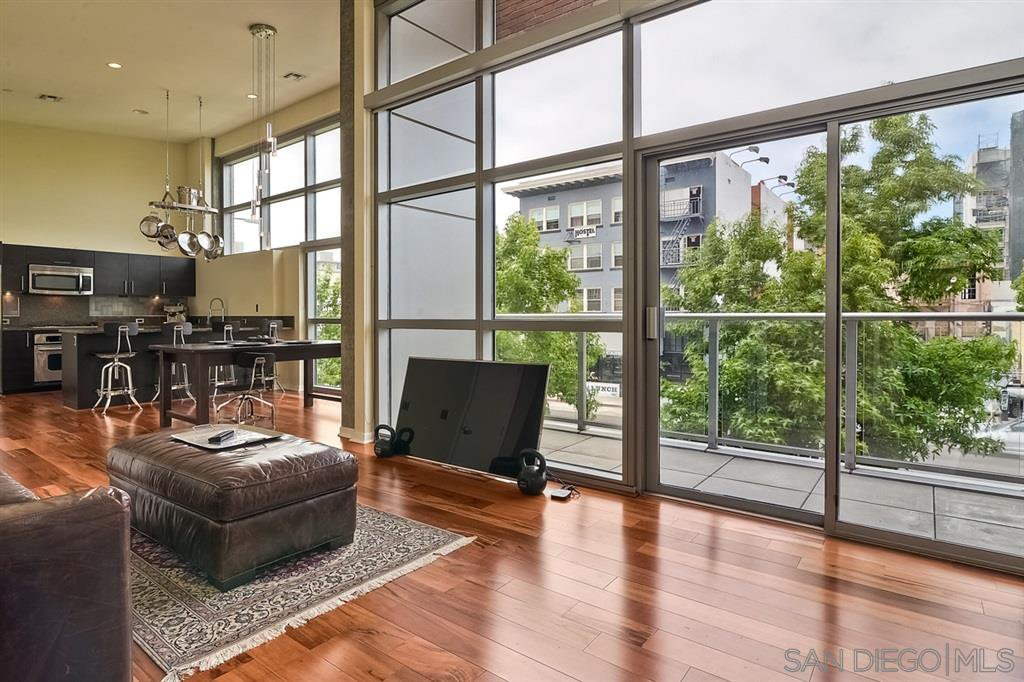 Main Photo: DOWNTOWN Condo for rent : 1 bedrooms : 800 The Mark Lane #202 in San Diego