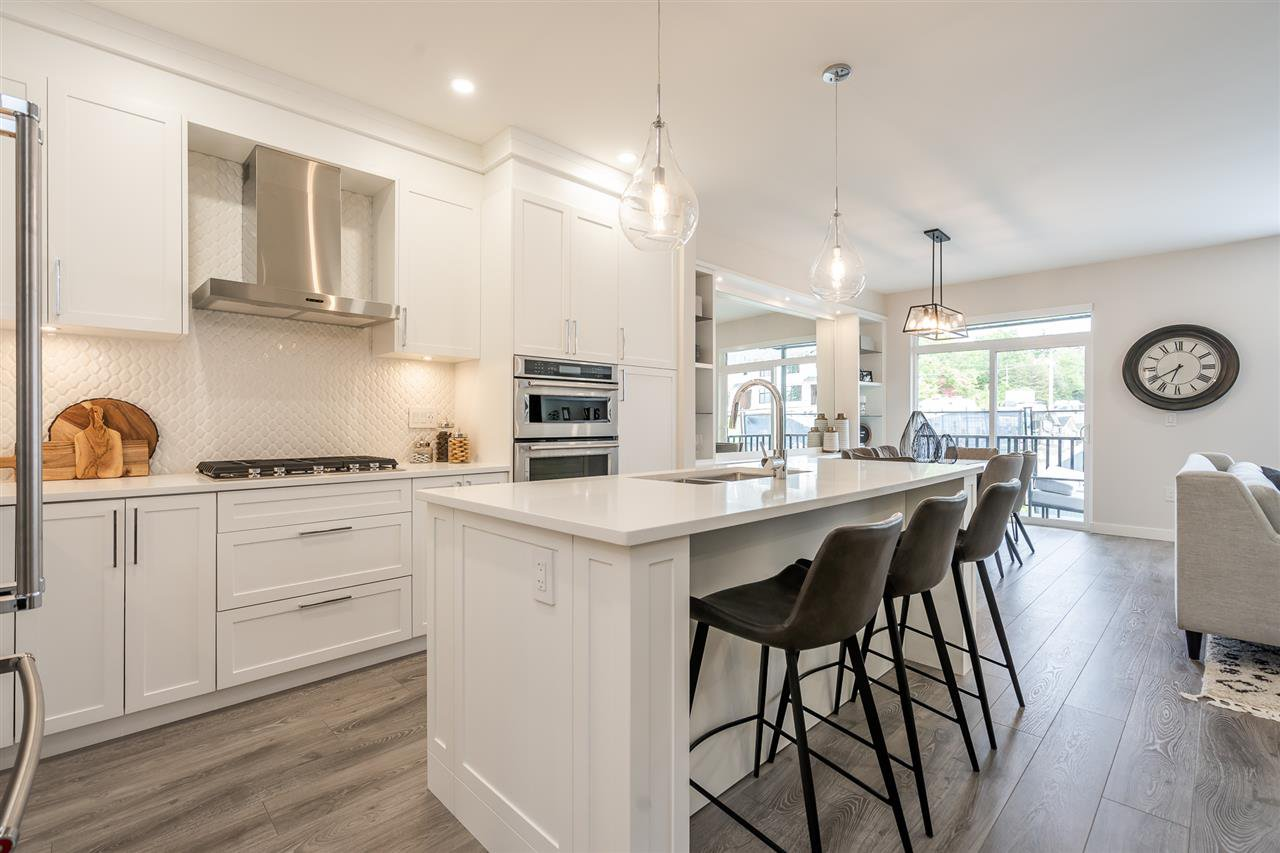 """Photo 3: Photos: 42 20327 72B Avenue in Langley: Willoughby Heights Townhouse for sale in """"TRIBUTE BY ESSENCE"""" : MLS®# R2464917"""