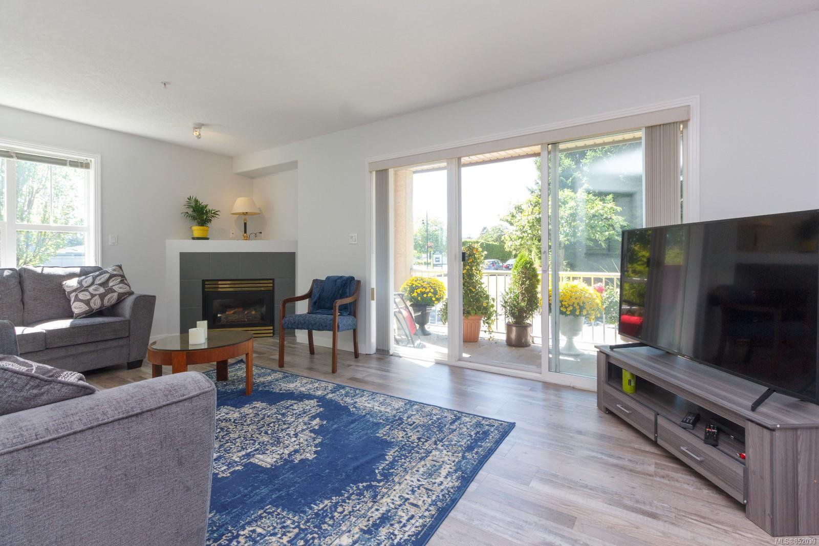 Photo 7: Photos: 109 1240 Verdier Ave in : CS Brentwood Bay Condo for sale (Central Saanich)  : MLS®# 852039