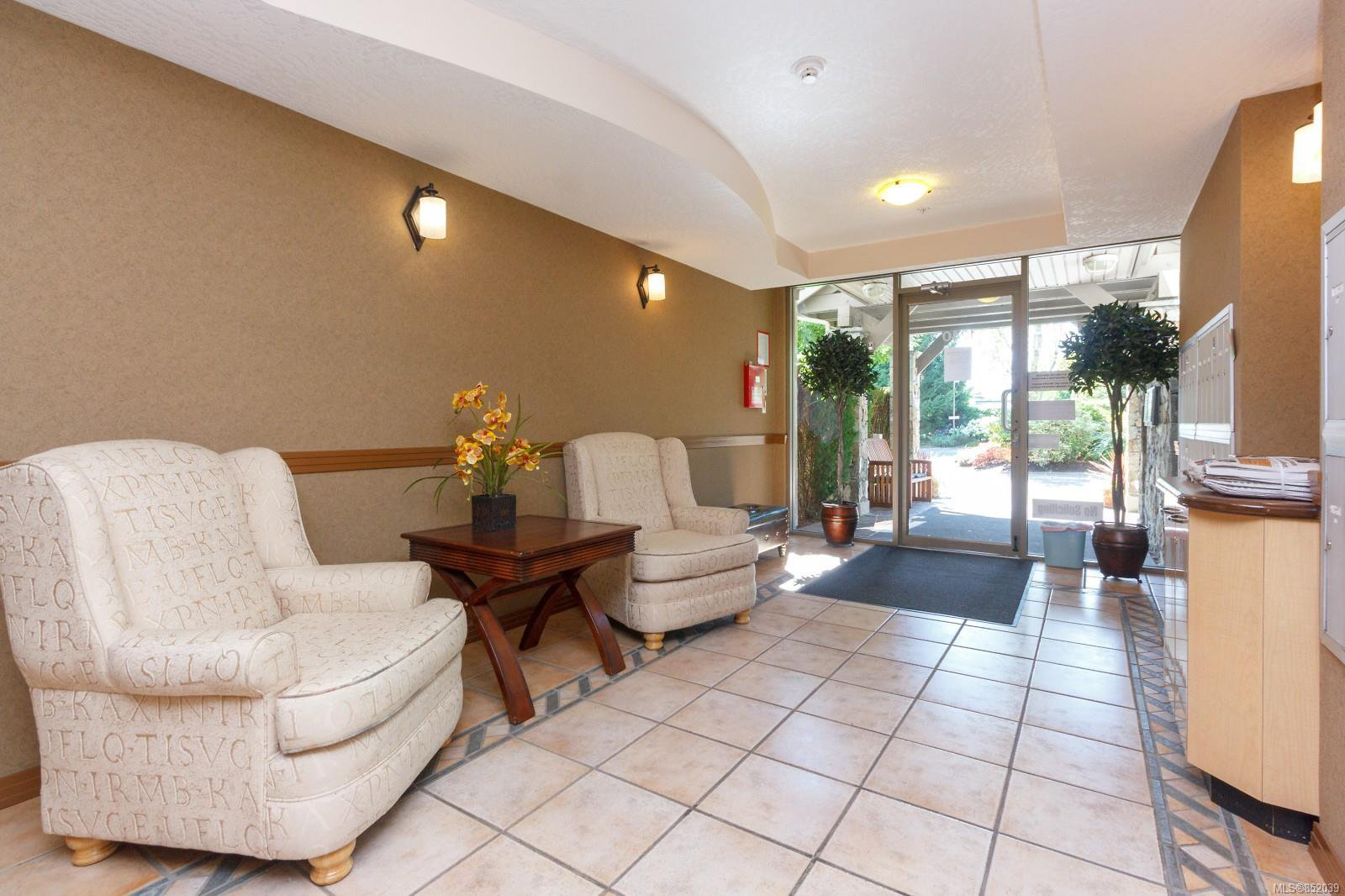 Photo 6: Photos: 109 1240 Verdier Ave in : CS Brentwood Bay Condo for sale (Central Saanich)  : MLS®# 852039