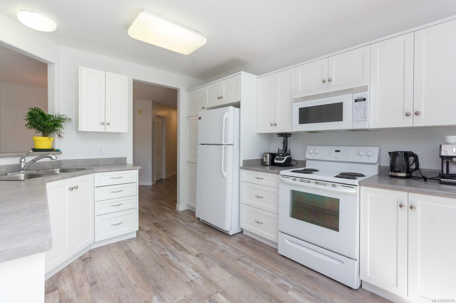 Photo 12: Photos: 109 1240 Verdier Ave in : CS Brentwood Bay Condo for sale (Central Saanich)  : MLS®# 852039