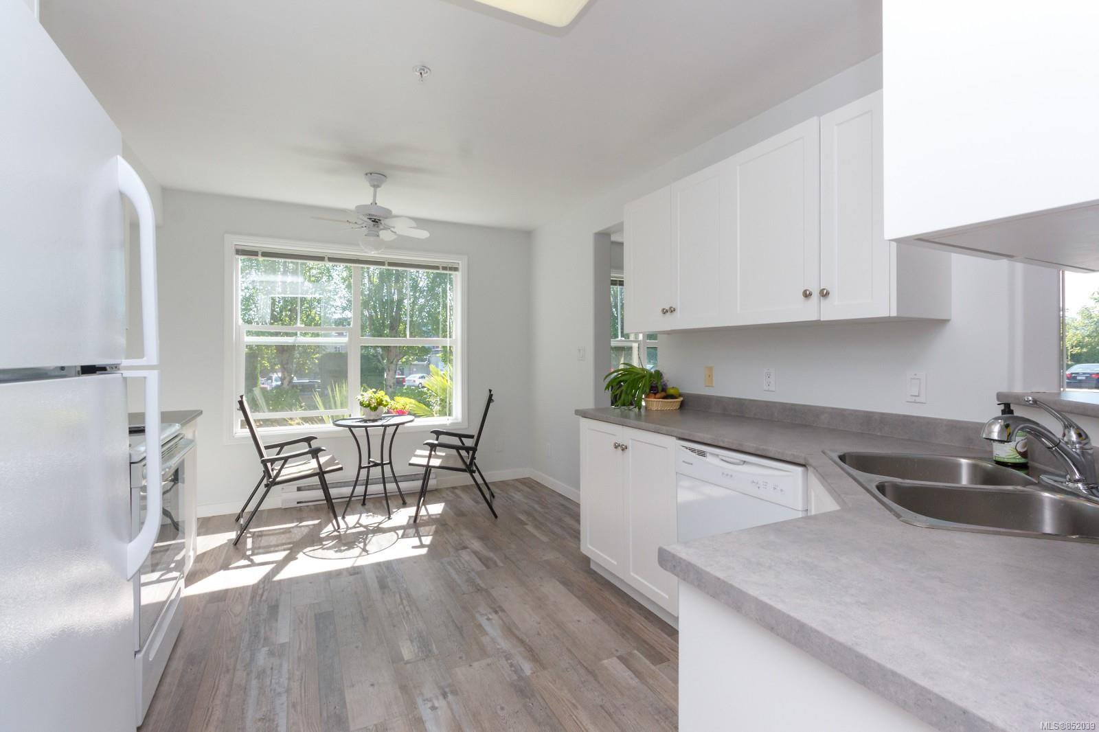 Photo 10: Photos: 109 1240 Verdier Ave in : CS Brentwood Bay Condo for sale (Central Saanich)  : MLS®# 852039