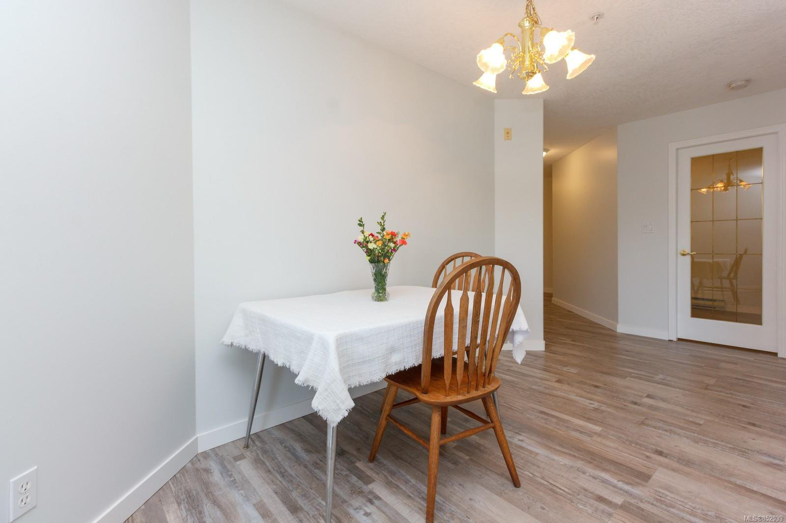 Photo 9: Photos: 109 1240 Verdier Ave in : CS Brentwood Bay Condo for sale (Central Saanich)  : MLS®# 852039