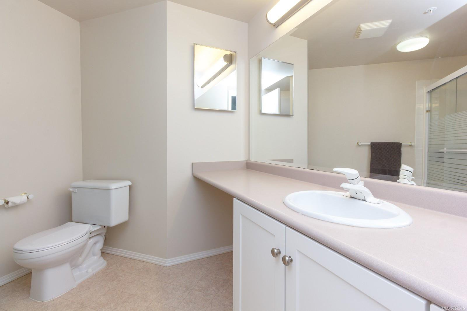 Photo 15: Photos: 109 1240 Verdier Ave in : CS Brentwood Bay Condo for sale (Central Saanich)  : MLS®# 852039