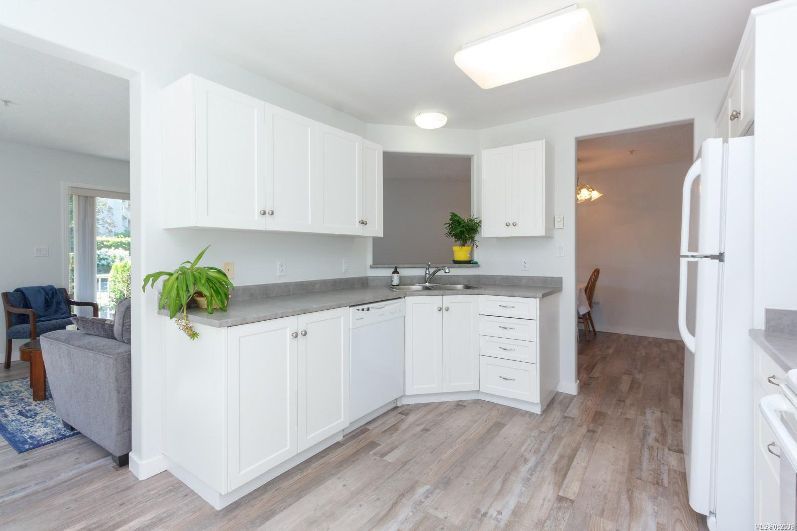 Photo 11: Photos: 109 1240 Verdier Ave in : CS Brentwood Bay Condo for sale (Central Saanich)  : MLS®# 852039