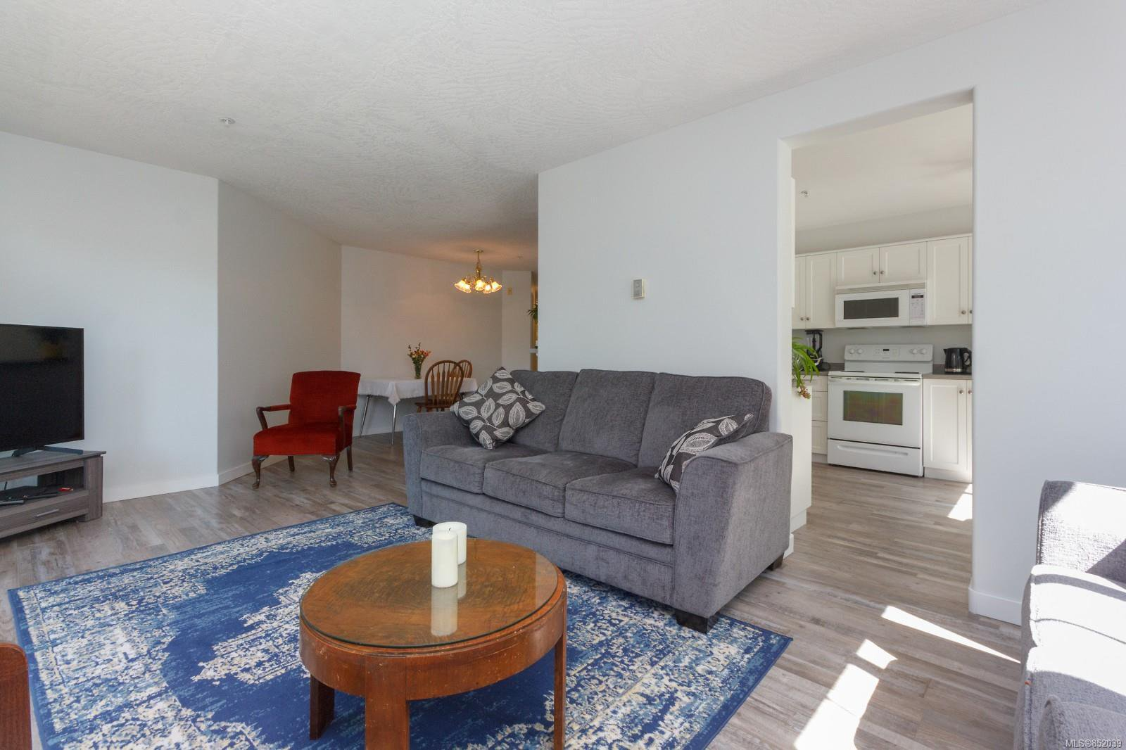 Photo 8: Photos: 109 1240 Verdier Ave in : CS Brentwood Bay Condo for sale (Central Saanich)  : MLS®# 852039