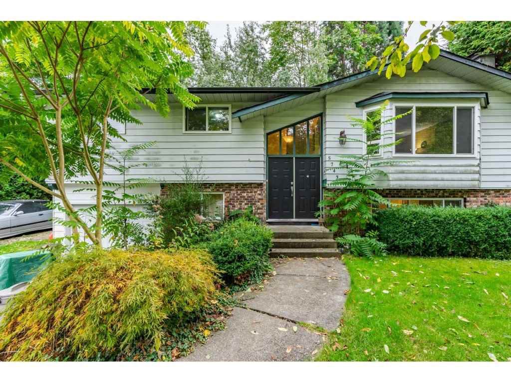 """Main Photo: 5743 ABBEY Drive in Delta: Sunshine Hills Woods House for sale in """"Panorama Ridge"""" (N. Delta)  : MLS®# R2507337"""