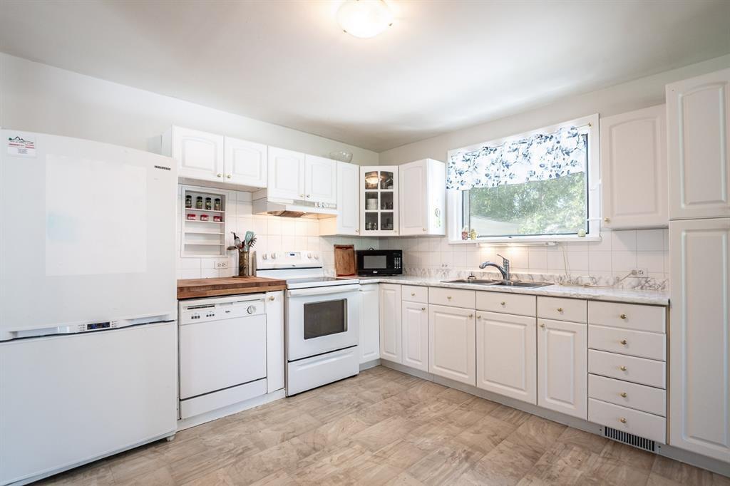 Main Photo: 302 ABERDEEN Street: Granum Detached for sale : MLS®# A1013796