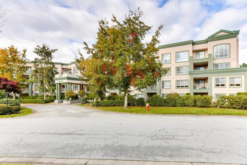 "Main Photo: 328 13880 70TH Avenue in Surrey: East Newton Condo for sale in ""Chelsea Gardens"" : MLS®# R2512963"