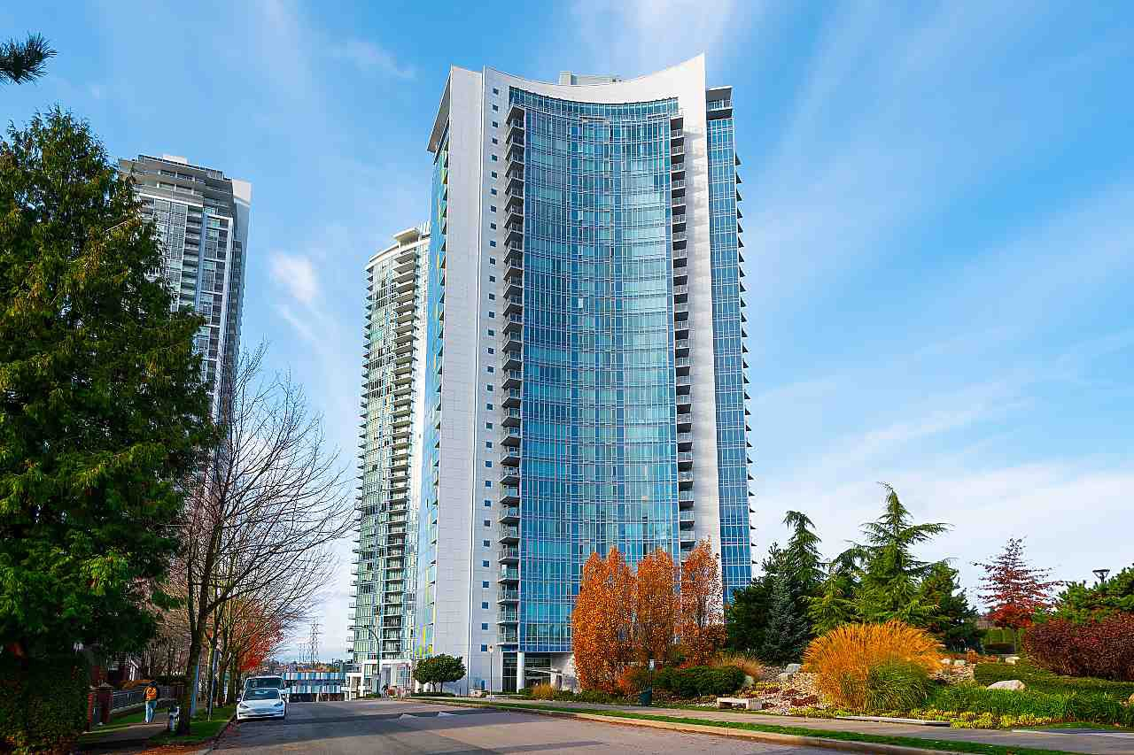 """Main Photo: 3007 4189 HALIFAX Street in Burnaby: Brentwood Park Condo for sale in """"AVAIARA"""" (Burnaby North)  : MLS®# R2519510"""