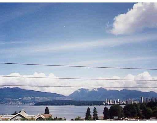Main Photo: 402 1631 VINE ST in Vancouver: Kitsilano Condo for sale (Vancouver West)  : MLS®# V563897