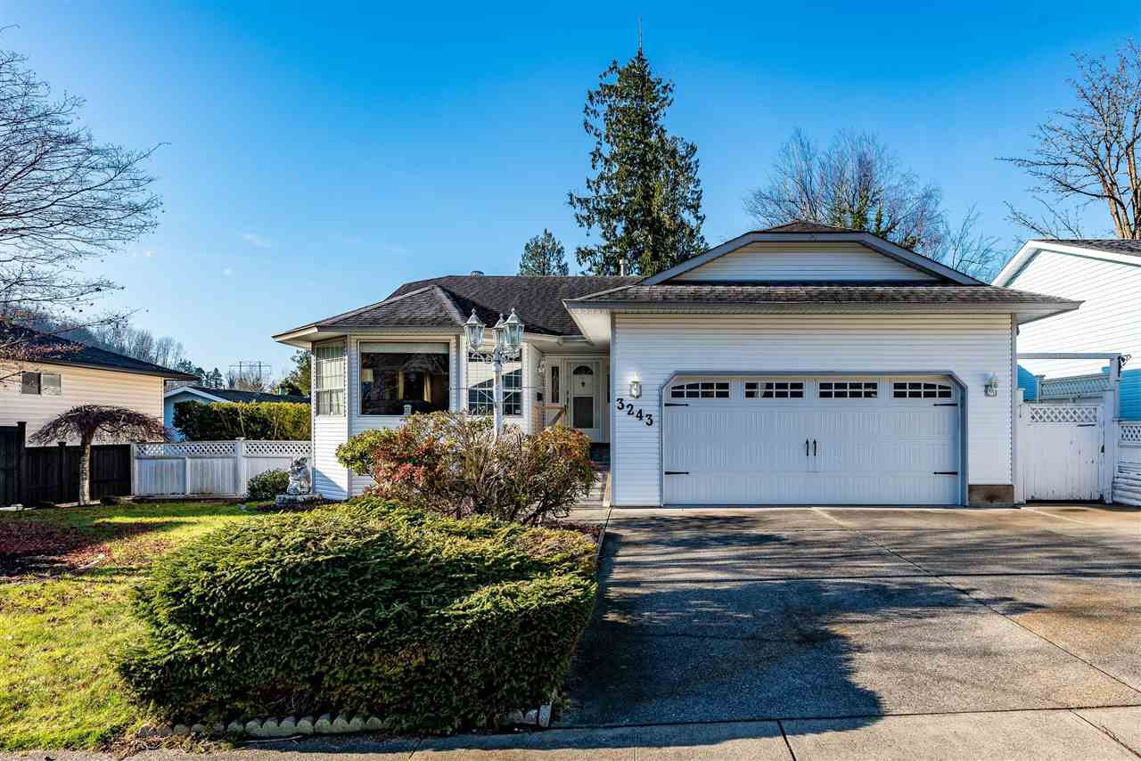Main Photo: 3243 PURCELL Avenue in Abbotsford: Abbotsford East House for sale : MLS®# R2421754
