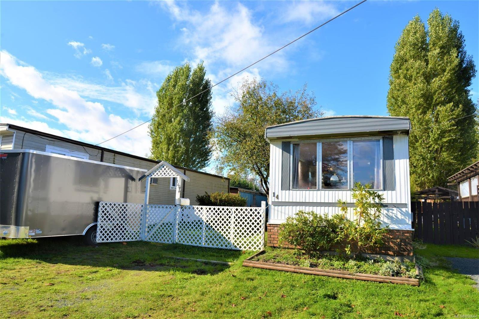 Main Photo: 14 1630 Croation Rd in : CR Campbell River West Manufactured Home for sale (Campbell River)  : MLS®# 858644