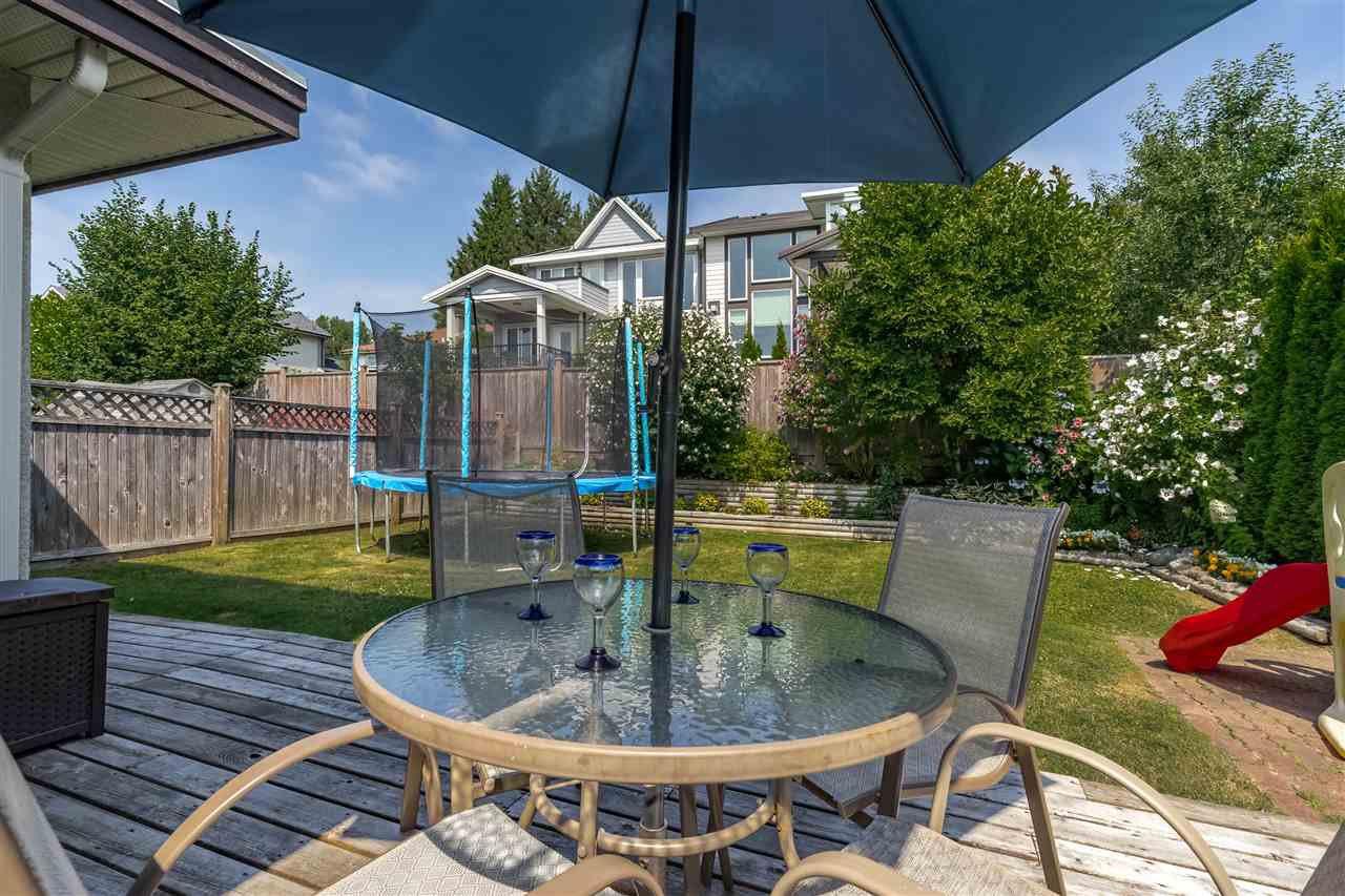 Photo 17: Photos: 833 QUADLING Avenue in Coquitlam: Coquitlam West House 1/2 Duplex for sale : MLS®# R2407327