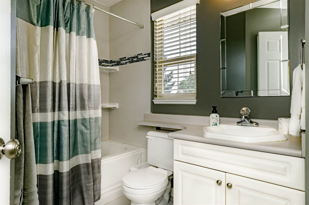 Photo 14: Photos: 833 QUADLING Avenue in Coquitlam: Coquitlam West House 1/2 Duplex for sale : MLS®# R2407327