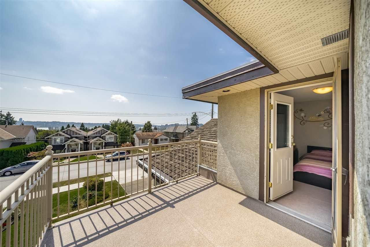 Photo 15: Photos: 833 QUADLING Avenue in Coquitlam: Coquitlam West House 1/2 Duplex for sale : MLS®# R2407327