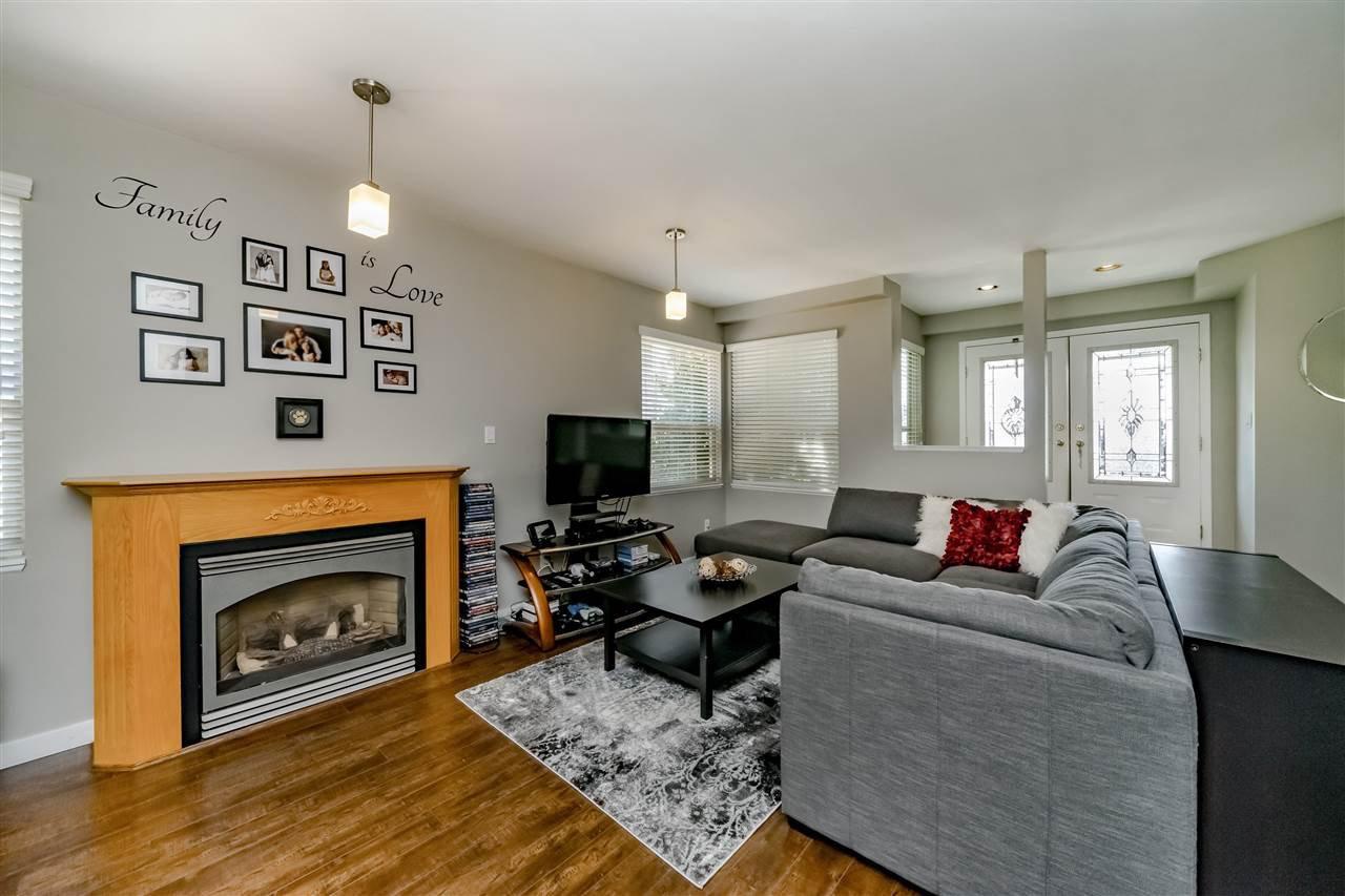 Photo 2: Photos: 833 QUADLING Avenue in Coquitlam: Coquitlam West House 1/2 Duplex for sale : MLS®# R2407327
