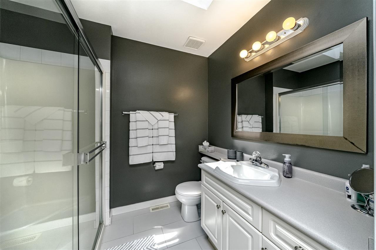 Photo 11: Photos: 833 QUADLING Avenue in Coquitlam: Coquitlam West House 1/2 Duplex for sale : MLS®# R2407327
