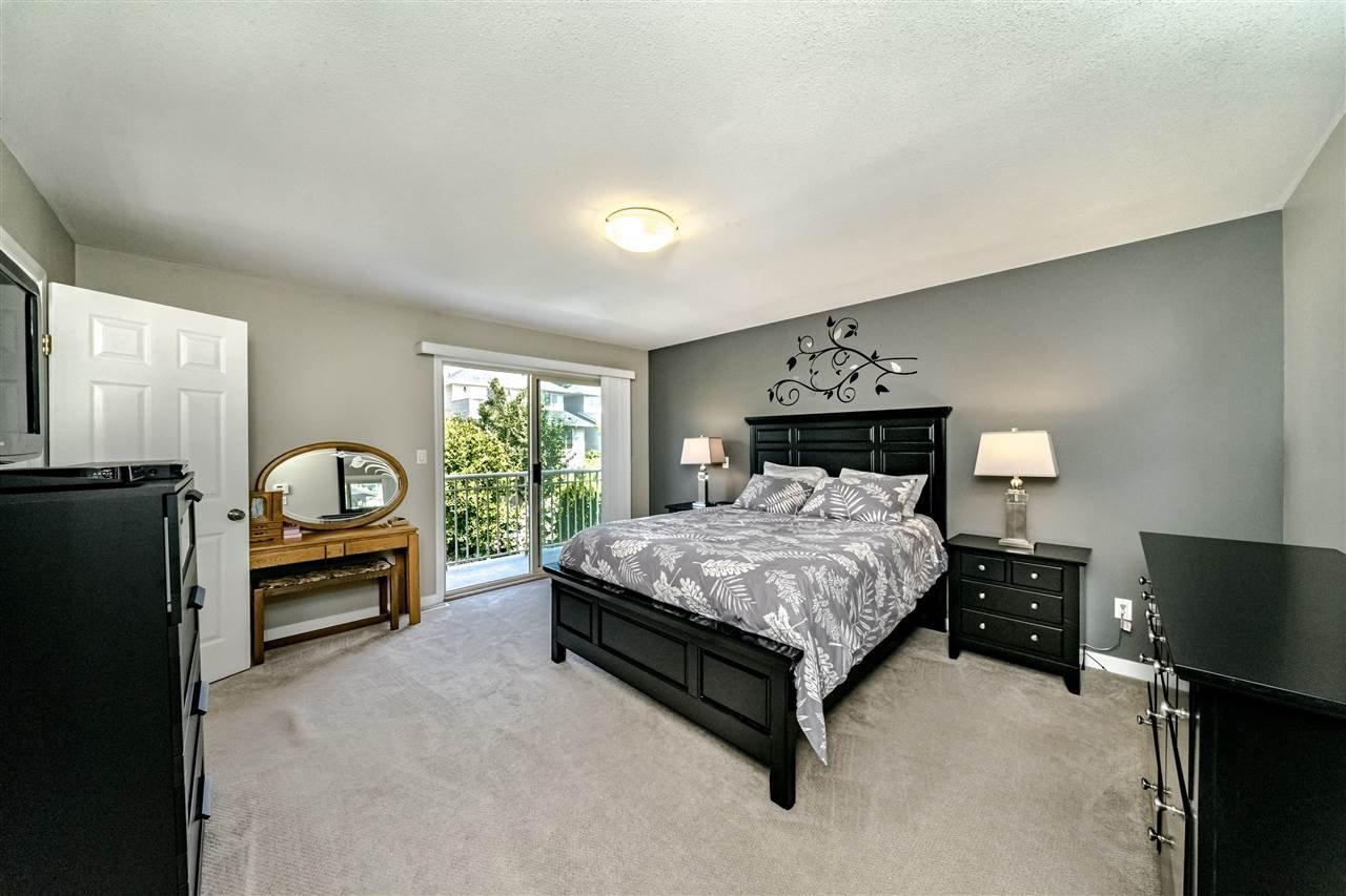 Photo 10: Photos: 833 QUADLING Avenue in Coquitlam: Coquitlam West House 1/2 Duplex for sale : MLS®# R2407327