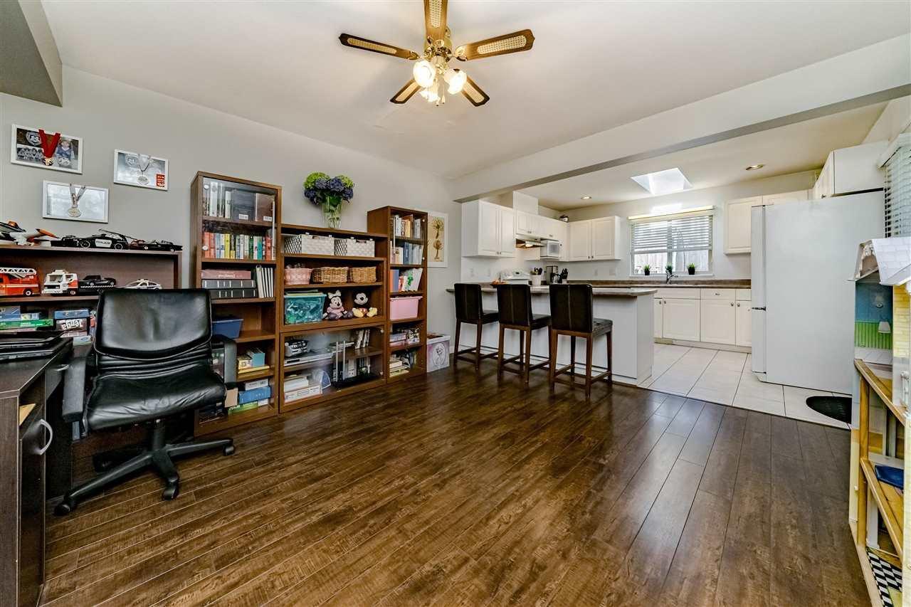 Photo 6: Photos: 833 QUADLING Avenue in Coquitlam: Coquitlam West House 1/2 Duplex for sale : MLS®# R2407327