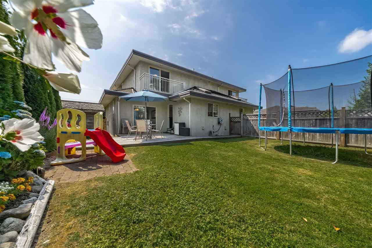 Photo 19: Photos: 833 QUADLING Avenue in Coquitlam: Coquitlam West House 1/2 Duplex for sale : MLS®# R2407327