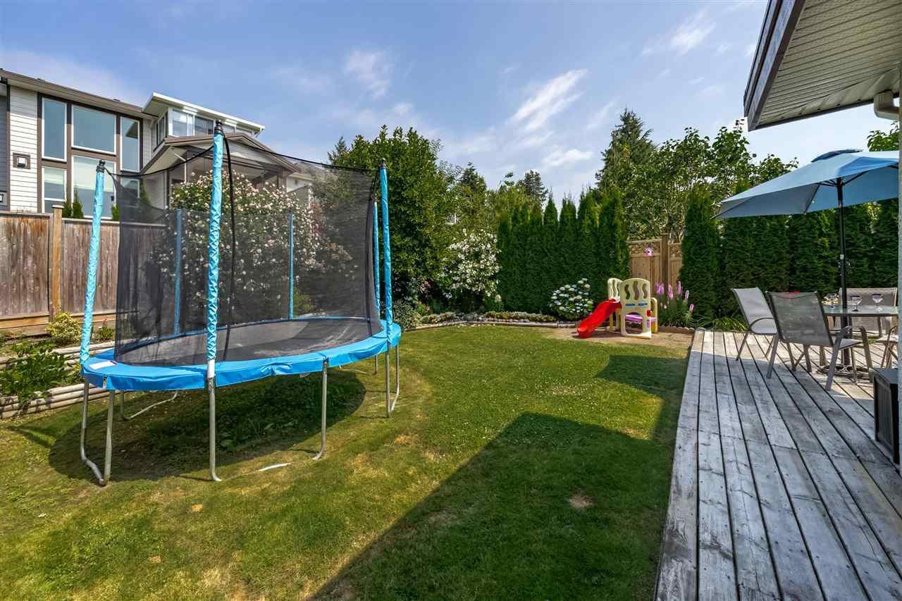 Photo 18: Photos: 833 QUADLING Avenue in Coquitlam: Coquitlam West House 1/2 Duplex for sale : MLS®# R2407327