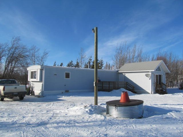 Main Photo: 9331 255 Road in Fort St. John: Fort St. John - Rural E 100th Manufactured Home for sale (Fort St. John (Zone 60))  : MLS®# R2440347